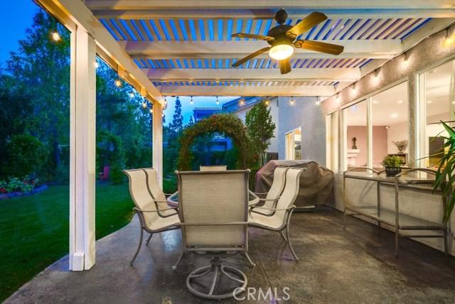 598 Redondo Lane, Corona CA: http://media.crmls.org/medias/1e236a03-c00e-4167-870e-26024eea58d9.jpg