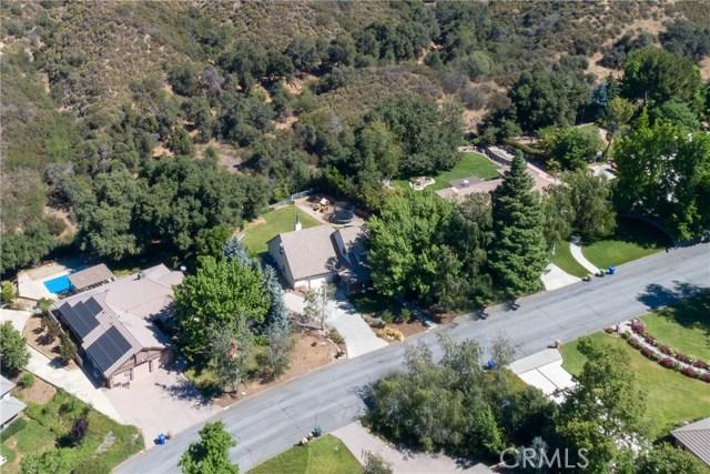 13086 Oak Crest Drive, Yucaipa CA: http://media.crmls.org/medias/1e3172aa-8c45-4158-956d-6b7733831360.jpg