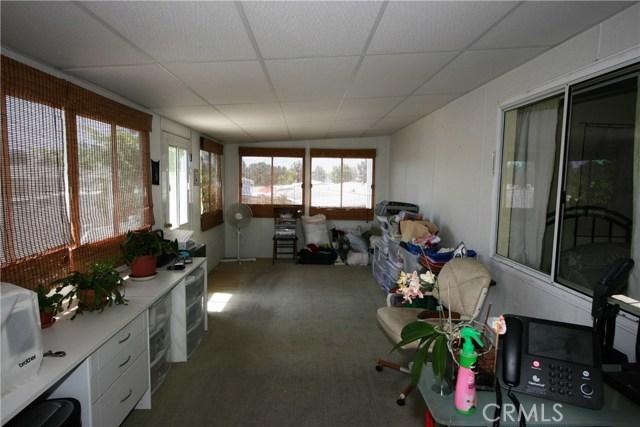 24001 Muirlands Boulevard, Lake Forest CA: http://media.crmls.org/medias/1e3315ab-c082-4c35-868e-4a73b307465b.jpg