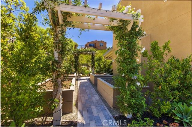 29 Vivido Street, Rancho Mission Viejo CA: http://media.crmls.org/medias/1e5216f5-8ff1-4c81-bc8f-2b0437380af9.jpg