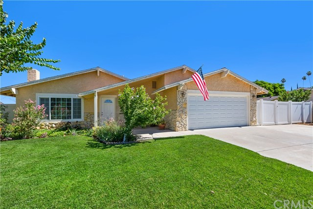 6445 Foster Drive, Riverside CA: http://media.crmls.org/medias/1e5622ca-a4e3-423d-8f5b-29105cea256a.jpg