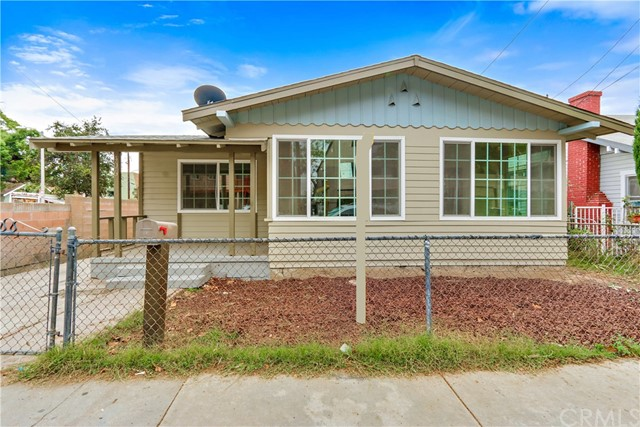 Single Family Home for Sale at 406 Halesworth Street W Santa Ana, California 92701 United States