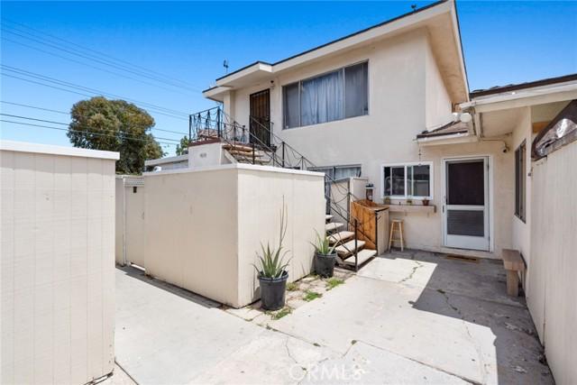 558 Joann Street, Costa Mesa CA: http://media.crmls.org/medias/1e6935ff-3db7-4d2a-80a2-9fb962724d13.jpg