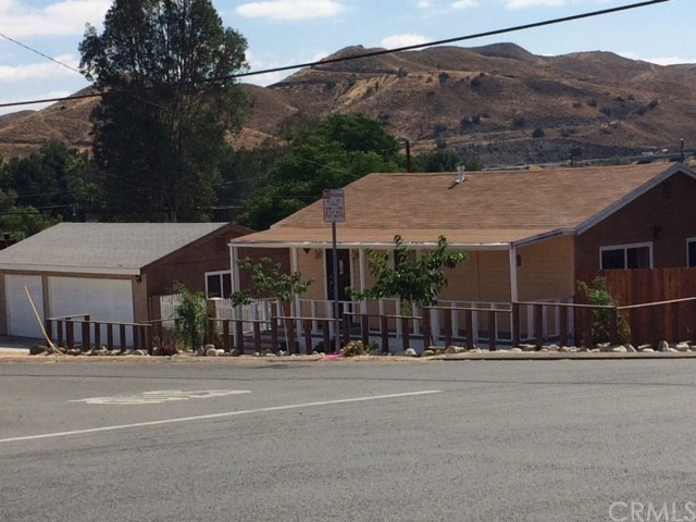 Single Family Home for Rent at 711 Sumner Avenue W Lake Elsinore, California 92530 United States