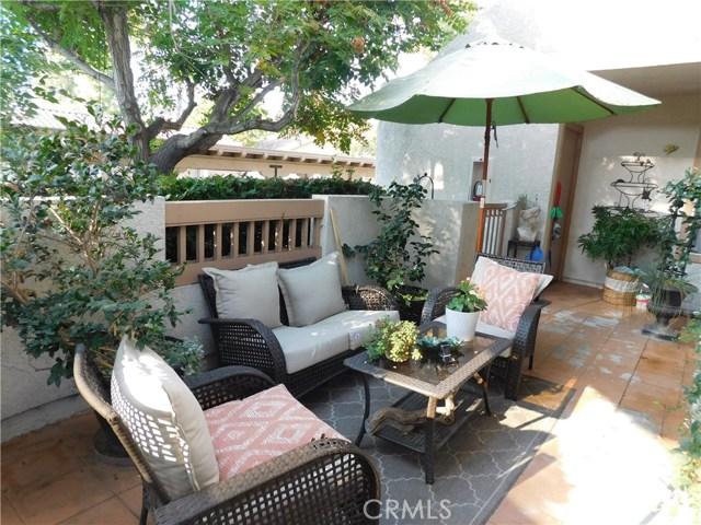 26652 Merienda, Laguna Hills CA: http://media.crmls.org/medias/1e71aa76-96f0-413c-a2bb-5140671ea5cd.jpg