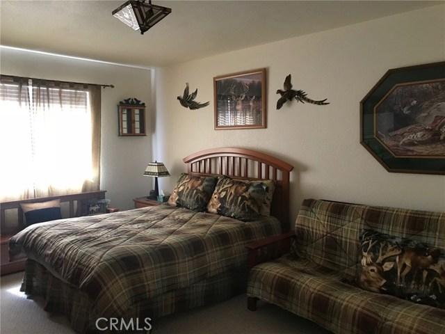 1068 Cherokee Street, Fawnskin CA: http://media.crmls.org/medias/1e81612d-bd45-40b6-9d6b-bfad84c093ea.jpg