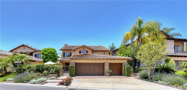 7 Altimira , CA 92679 is listed for sale as MLS Listing OC18136605