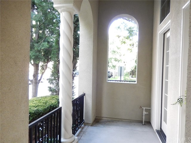 72 Modesto, Irvine, CA 92602 Photo 3