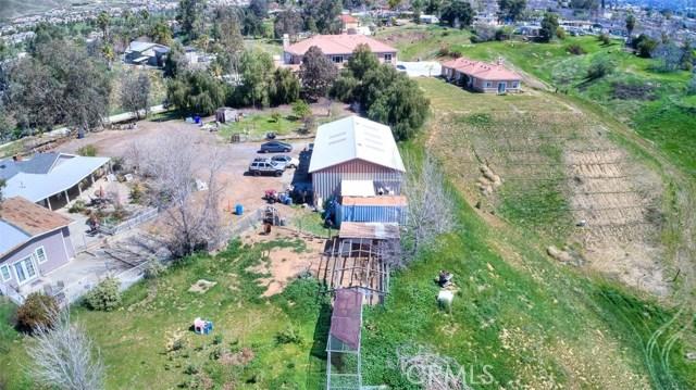 33385 Oak Glen Road, Yucaipa CA: http://media.crmls.org/medias/1e96b100-ab02-4b68-a977-7a40391c721e.jpg