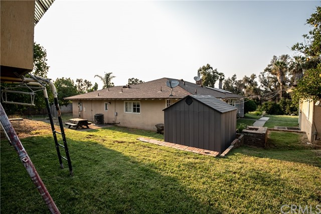 7660 Whitegate Avenue, Riverside CA: http://media.crmls.org/medias/1e9a6303-4db1-4f25-b875-9a44af7bbcd3.jpg