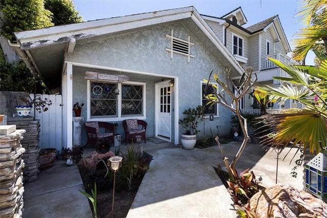 716 14th Street, Huntington Beach CA: http://media.crmls.org/medias/1e9f6472-1dcb-4bc2-8014-9b2617f8a279.jpg