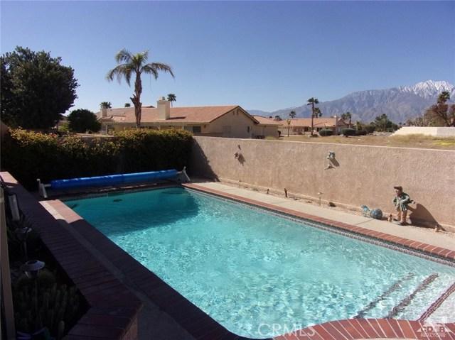 9351 Brookline Avenue, Desert Hot Springs CA: http://media.crmls.org/medias/1ea5caa3-df35-4072-b932-5f1a0fb041af.jpg