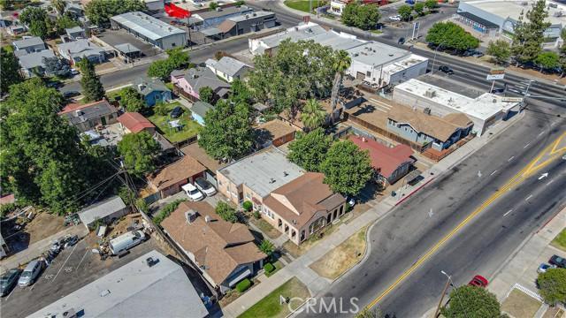 1625 E Olive Avenue, Fresno CA: http://media.crmls.org/medias/1ea679e5-f1c7-4d8a-a90f-d61d2af0ed93.jpg