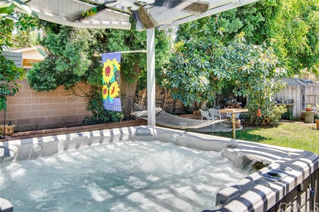 10810 Lindesmith Avenue, Whittier CA: http://media.crmls.org/medias/1eb51daa-1b3a-436c-9571-608526cb07af.jpg