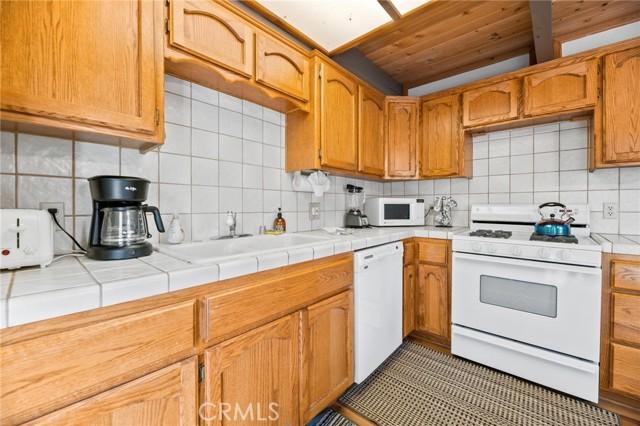 745 Barret Way, Big Bear CA: http://media.crmls.org/medias/1ebb89e4-e8cd-4099-9637-e7a18eccadfc.jpg