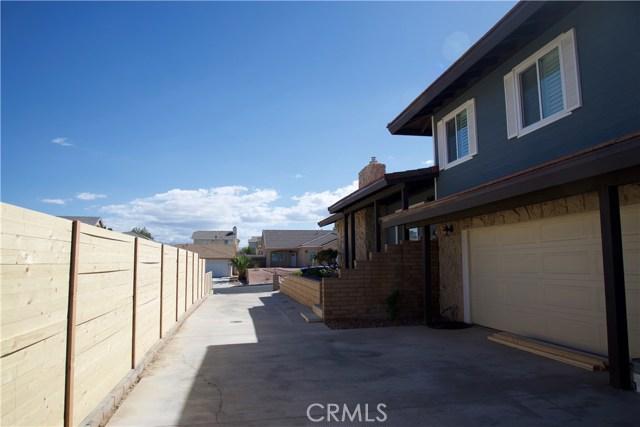 17850 Rancho Bonita, Victorville CA: http://media.crmls.org/medias/1ee5630a-df65-4ada-b219-3ba427f0c51c.jpg