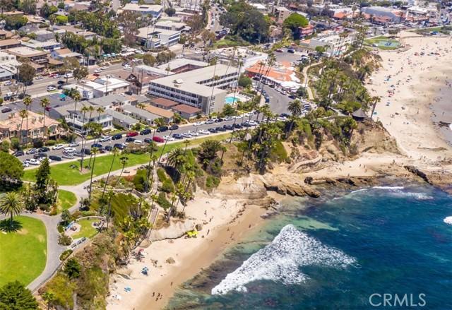 319 Cypress Drive, Laguna Beach CA: http://media.crmls.org/medias/1ee5e4f0-58f8-4d02-a6e1-a41c37211407.jpg