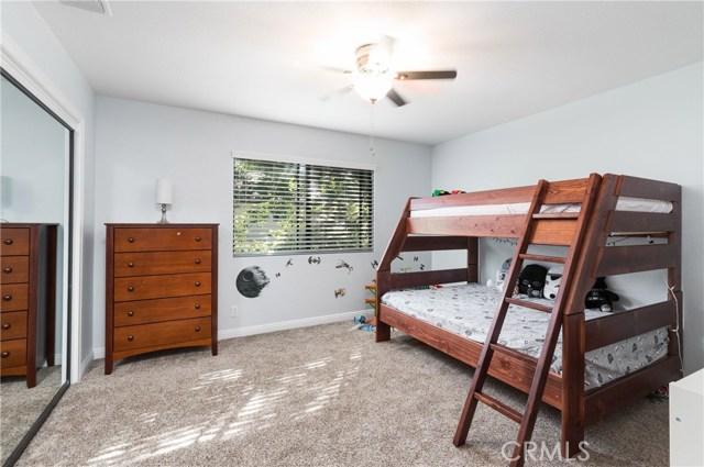 13086 Oak Crest Drive, Yucaipa CA: http://media.crmls.org/medias/1ee89a86-0387-4790-9c51-d0a60a408655.jpg