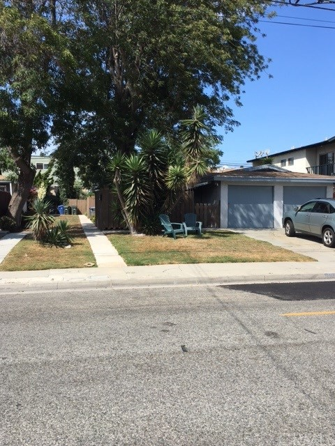 2109 Warfield Avenue Redondo Beach, CA 90278 is listed for sale as MLS Listing PW17209440