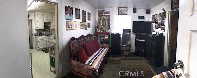 1818 Daly Street, Lincoln Heights CA: http://media.crmls.org/medias/1ef2712e-0ab0-4fea-8a4a-c2e67cfedba5.jpg