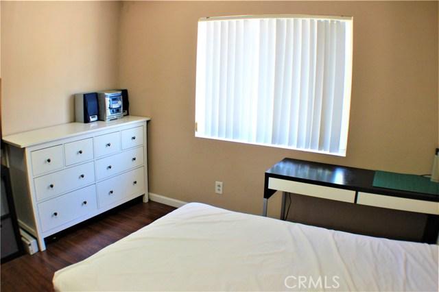 1749 Stratford, West Covina CA: http://media.crmls.org/medias/1efb4f87-d23a-4fe4-b343-ed1ed483879f.jpg