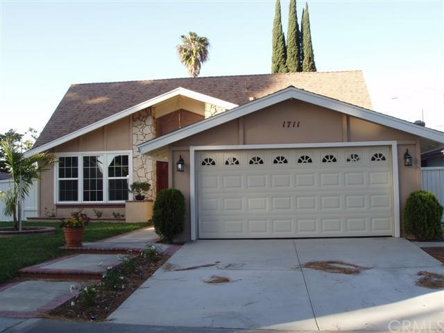 Single Family Home for Rent at 1711 Roanoke St Tustin, California 92780 United States