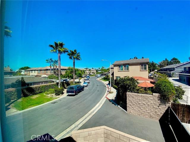 12892 Pomelo Lane, Garden Grove CA: http://media.crmls.org/medias/1f09774a-9e17-4c58-b70b-fa2d073a5a00.jpg