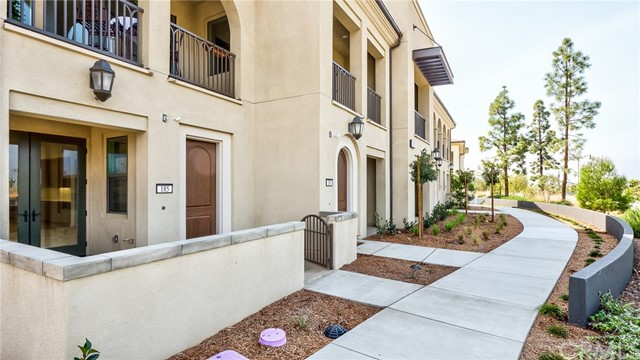 185 Follyhatch, Irvine, CA 92618 Photo 1