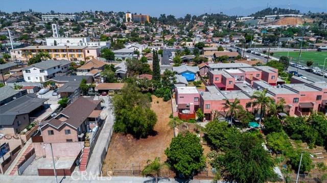 4033 E Cesar E Chavez Avenue, East Los Angeles CA: http://media.crmls.org/medias/1f1975a1-fbf5-491e-8448-c8c1347856bb.jpg