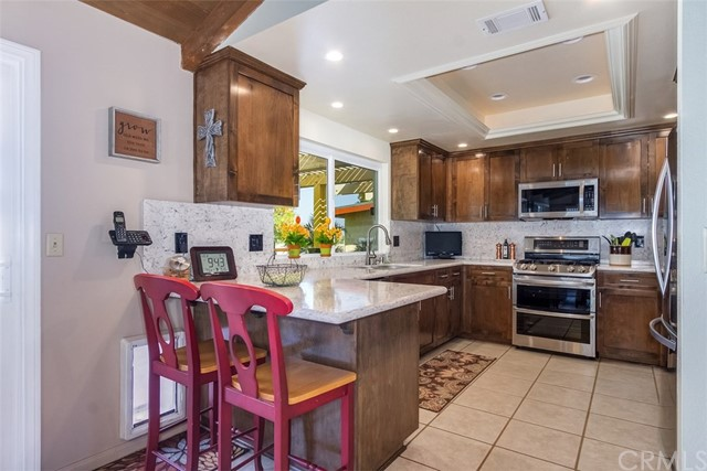 16275 Porter Avenue, Riverside CA: http://media.crmls.org/medias/1f1a1134-233f-40cd-8327-e8ba4e757b9d.jpg
