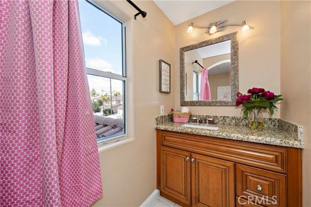 27066 Pacific Terrace Drive, Mission Viejo CA: http://media.crmls.org/medias/1f347d94-3aee-4a42-ba1c-29b2016d3db9.jpg