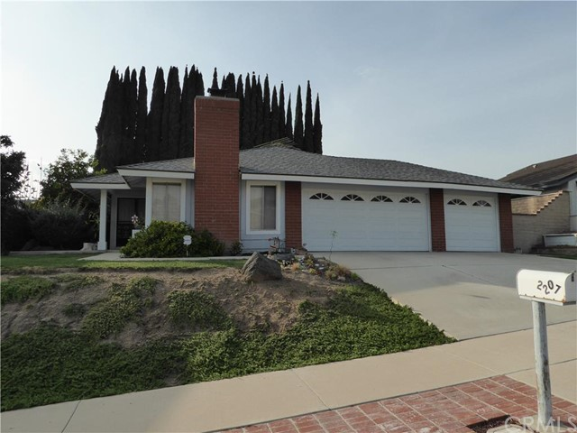 Single Family Home for Sale at 2207 Monte Carlo St Placentia, California 92870 United States