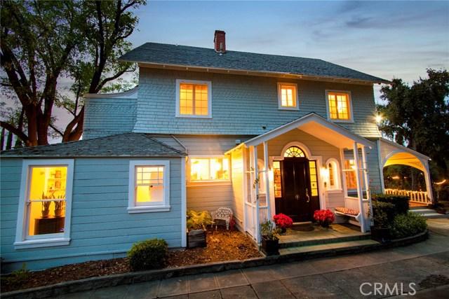 1311 S Center Street, Redlands CA: http://media.crmls.org/medias/1f52242c-ff60-4a8c-bcaf-4650259b12b0.jpg