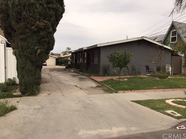 Single Family for Sale at 500 15th E Santa Ana, California 92701 United States