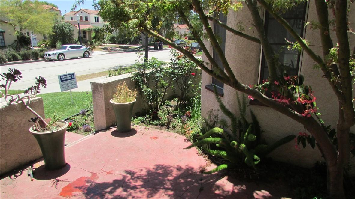 3745 Lime Avenue, Long Beach CA: http://media.crmls.org/medias/1f68d11c-677d-4867-90eb-06de5051373d.jpg