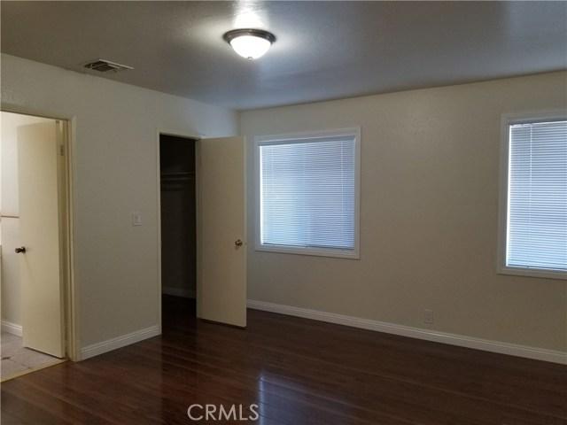 5608 N Willard Avenue, San Gabriel CA: http://media.crmls.org/medias/1f69fa9b-c15e-488d-9931-77a304e8cd91.jpg
