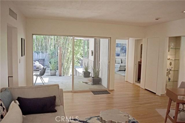 7228 Woodrow Wilson Drive, Hollywood Hills CA: http://media.crmls.org/medias/1f6a584e-45d3-4879-bfe5-34bd2a833887.jpg