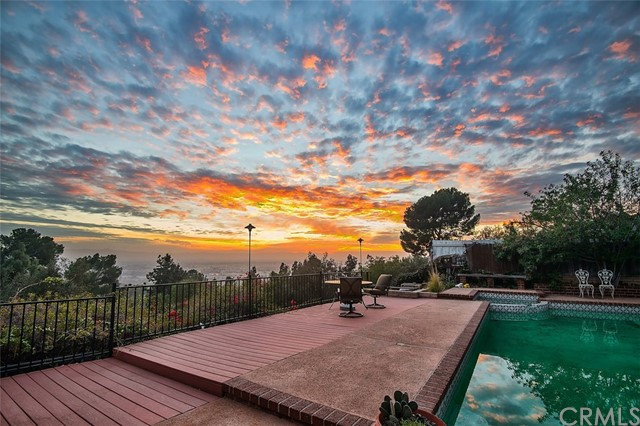 Single Family Home for Sale at 3016 Mesa Verde Drive Burbank, California 91504 United States