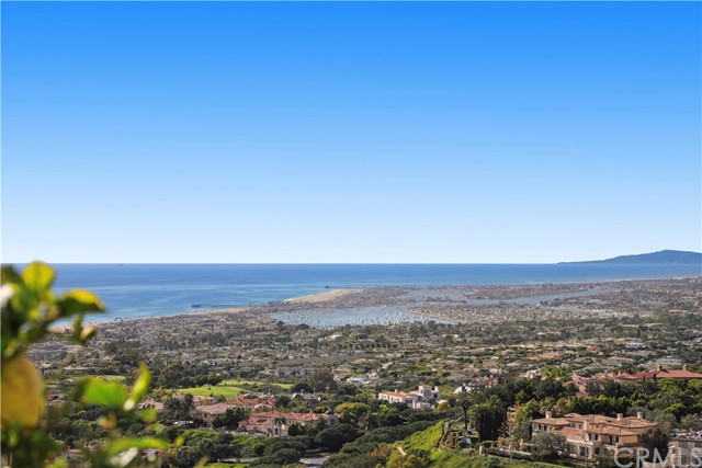 Additional photo for property listing at 3 Tidecrest  Newport Coast, California 92657 United States