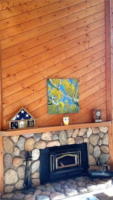 238 Shasta Drive, Lake Arrowhead CA: http://media.crmls.org/medias/1f923b46-35f8-445e-ac8e-ebe9539d6e9b.jpg