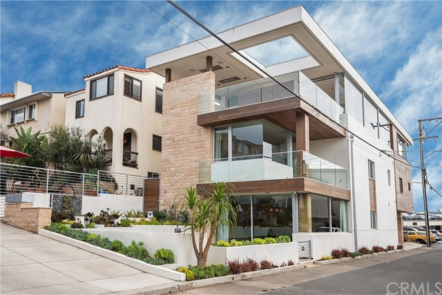 216 13th St, Manhattan Beach, CA 90266