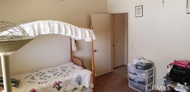 481 Sola Avenue, Blythe CA: http://media.crmls.org/medias/1f9dd79d-a2da-4e49-83be-3acb21930b56.jpg