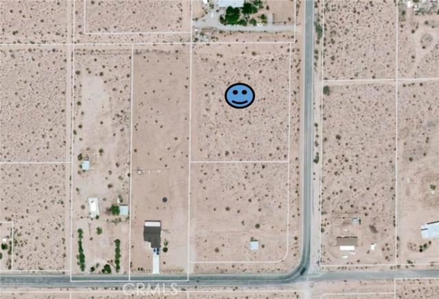 3875 Border, Joshua Tree CA: http://media.crmls.org/medias/1fa7ce9f-3383-4b9e-8305-d2fe3f04aa86.jpg