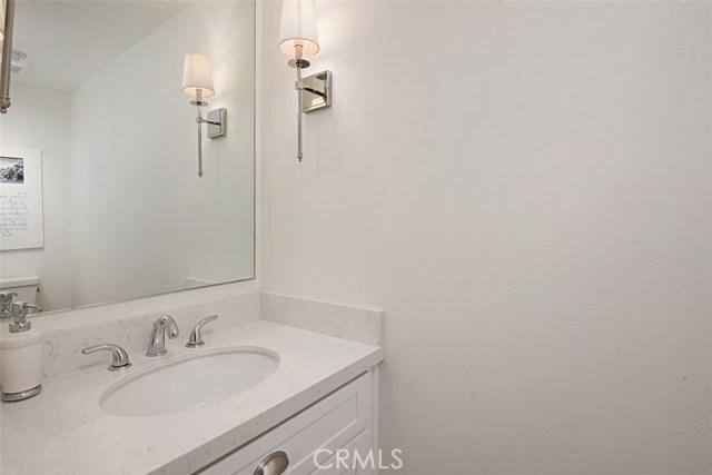 2554 Elden Avenue, Costa Mesa CA: http://media.crmls.org/medias/1fab331b-eeda-4f51-b332-2430a7d5405f.jpg