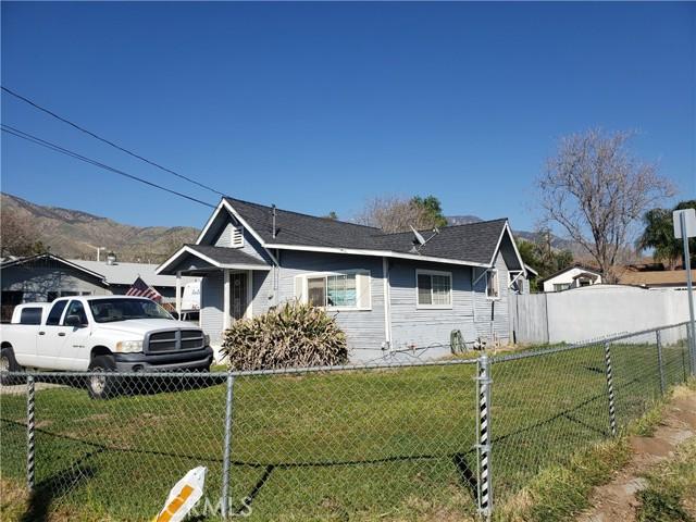 2117 Pepper Drive, Highland CA: http://media.crmls.org/medias/1fb5baa2-a8bf-4aad-86d2-626a356519b7.jpg