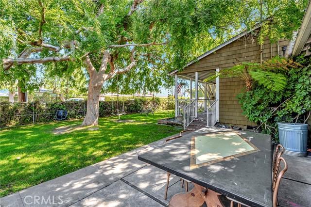 2133 Orange, Costa Mesa CA: http://media.crmls.org/medias/1fb83428-9805-41ff-a14b-3f85153c0501.jpg