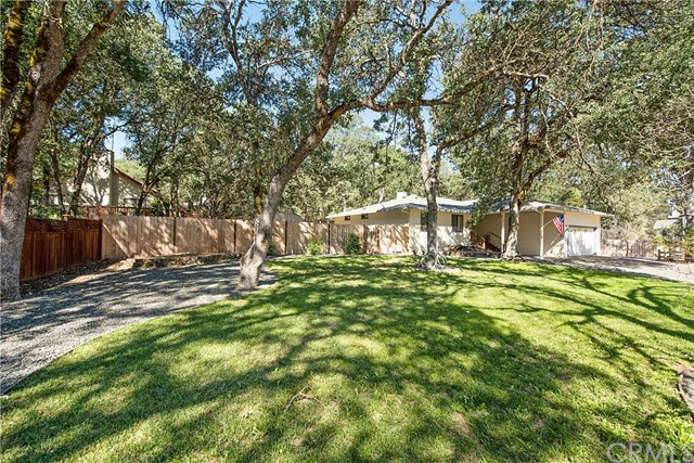 20273 Powder Horn Road, Hidden Valley Lake CA: http://media.crmls.org/medias/1fbe0fb9-3222-4e7f-858f-31d1c4a03a6a.jpg