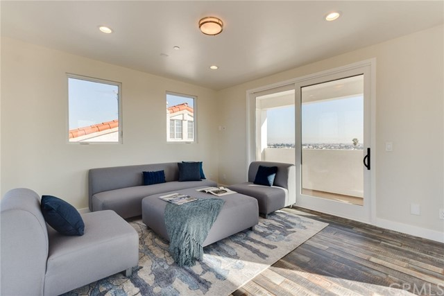 202 S Prospect Avenue Unit A Redondo Beach, CA 90277 - MLS #: SB18024116