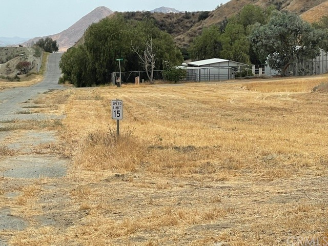 12 McGehee Drive, Moreno Valley CA: http://media.crmls.org/medias/1fc93ccf-8782-4174-847e-7afe3c56589c.jpg