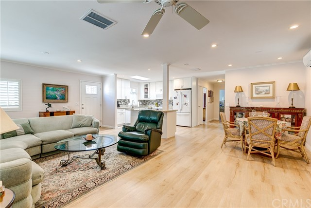279 Cambridge Way, Newport Beach CA: http://media.crmls.org/medias/1fd0cd84-9a8b-4158-a24f-1b14cce439da.jpg